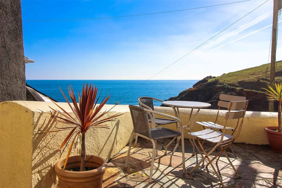 updated holiday property of this en prices portloe looe bay cottages hotel gallery image gb cottage