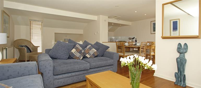 Living room in 9 Glendorgal, Newquay
