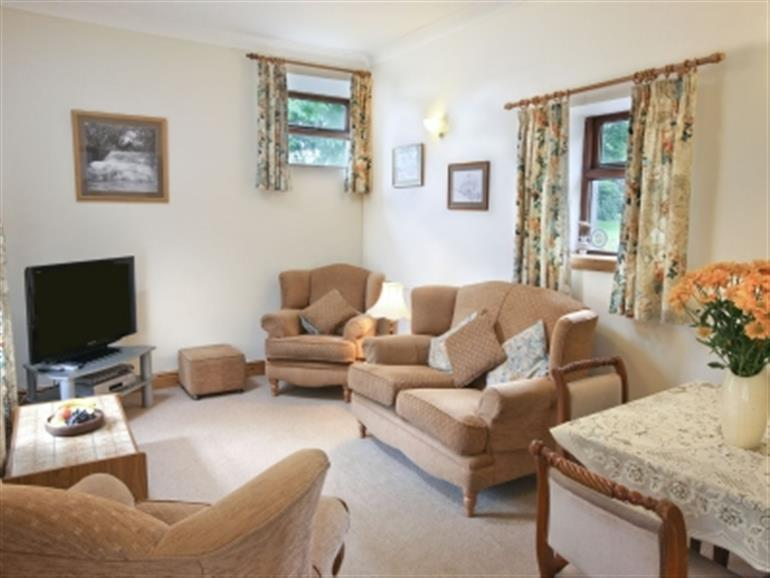 Swansea Valley Holiday Cottages Bwythn Y Saer Ref 31182 In Cilybebyll