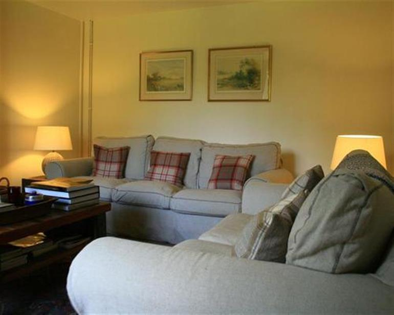 Church Cottages Ref NOTCHS In Notgrove Pet Friendly Cottage Weekend And