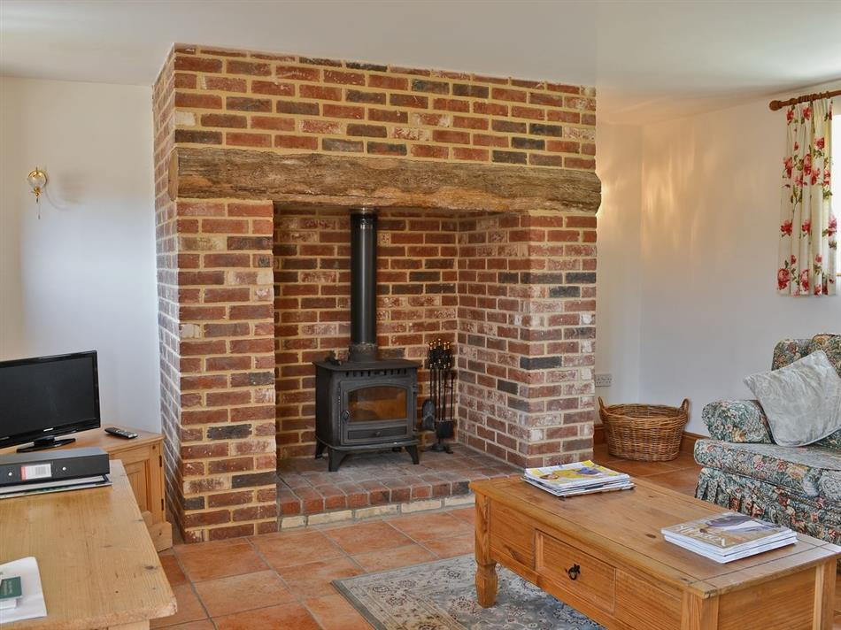 Living room in Copper Cottage, Aldeby near Beccles