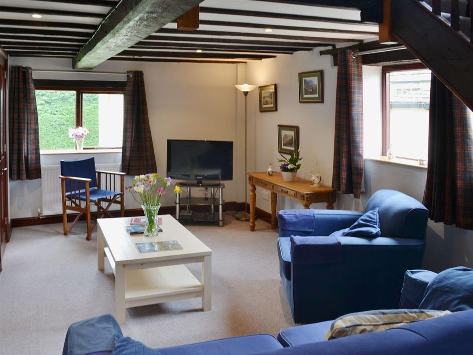 Living room in Hill House Cottages - Hill House Barn, West Caister near Great Yarmouth
