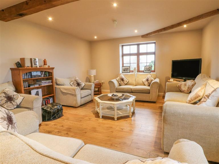 Living room in Hop House, Oad Street near Sittingbourne