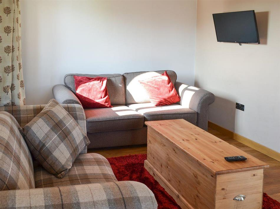 Pheasant cabin ref ukc1461 in ulcombe near maidstone for Living room c o maidstone