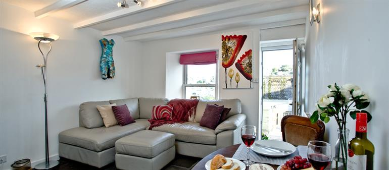 Living room in Samphire Cottage, Brixham