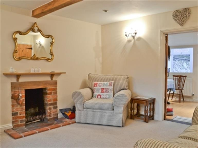 Sweet pea cottage ref 30780 in heacham nr king s lynn cottage weekend and short breaks - Garden furniture kings lynn ...