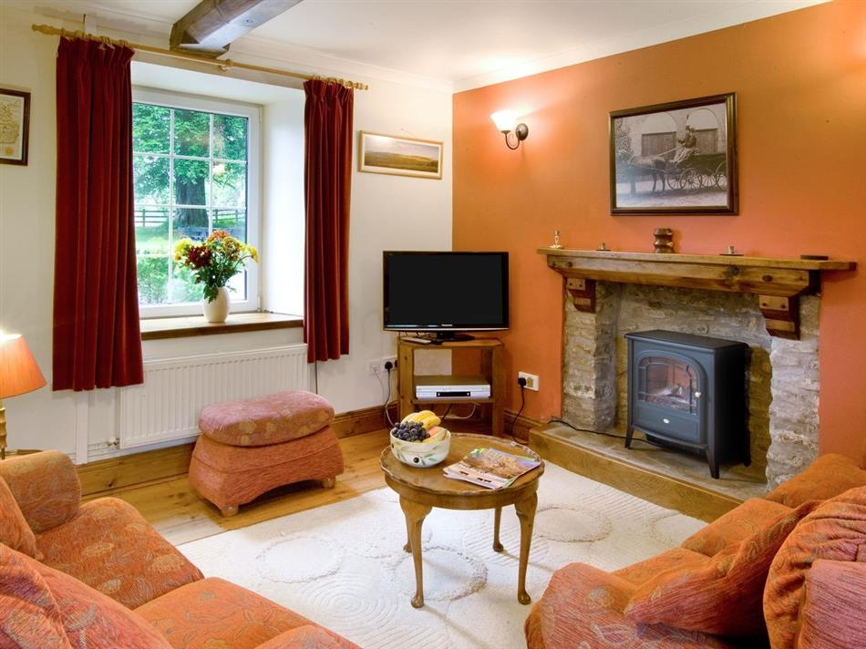 Swansea Valley Holiday Cottages Ty Cerbyd Ref 31185 In Cilybebyll Nr