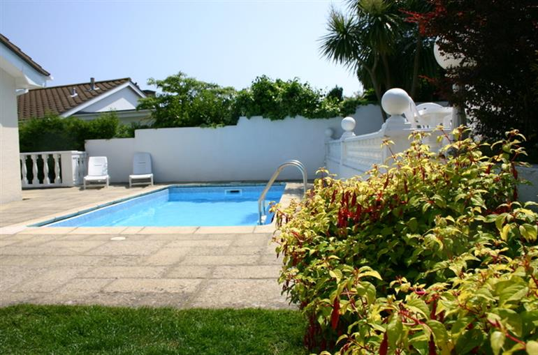 Villa marina in pet friendly cottage weekend and short - Pet friendly cottages with swimming pool ...