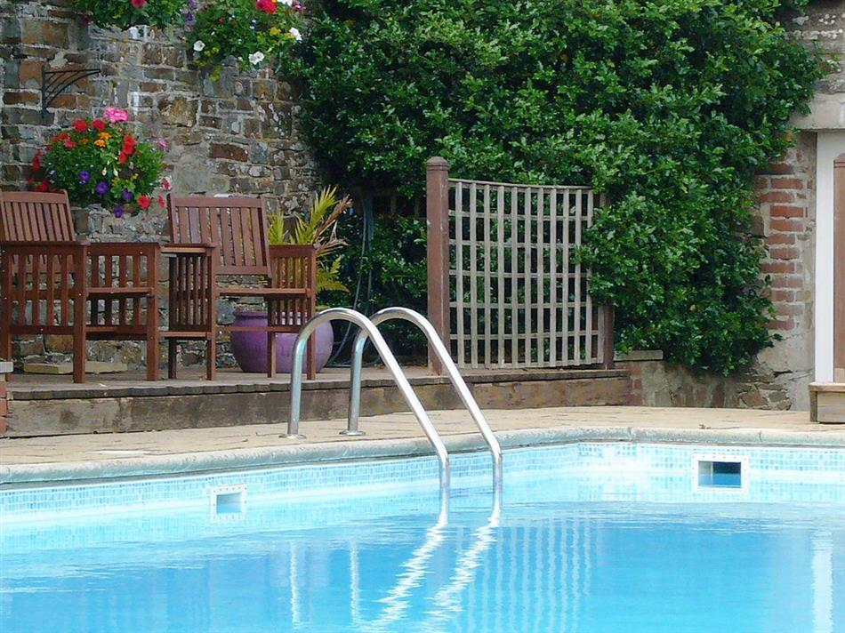 West pusehill farm ash ref ukc1183 in westward ho - Pet friendly cottages with swimming pool ...