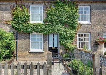 Angel cottage in south entrance saxmundham cottage for 6 the terrace walberswick