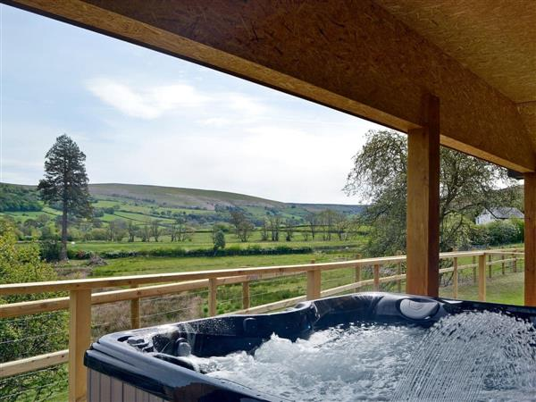 Bryncoch Holidays - Woodland Lodge, Hundred House, near Builth Wells, Powys with hot tub
