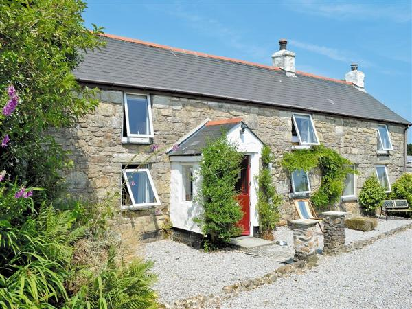 Caddys Corner Farm Lodges - The Farmhouse, Carnmenellis, nr. Falmouth, Cornwall