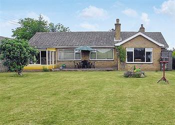 Camelot Ref 25695 In Roydon Nr Diss Pet Friendly Cottage Weekend And Short Breaks At