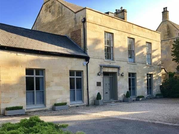 Cotswold House in Moreton In Marsh