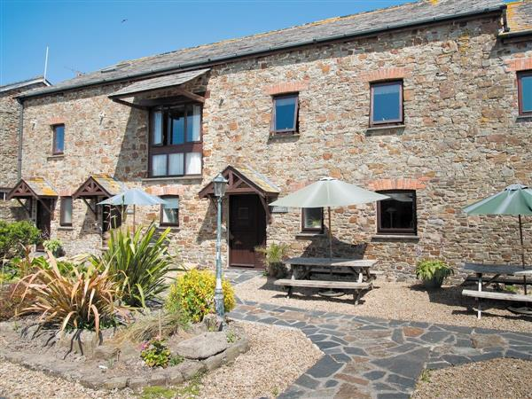 Court Farm Holidays - Shippen, Cornwall