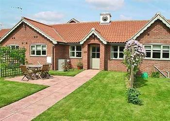 Court House Cottages - Lily Broad Cottage, Rollesby, nr. Great Yarmouth, Norfolk