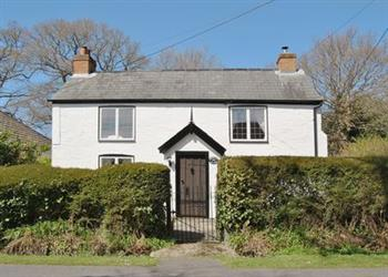 Holiday cottages e f self catering country holiday for Evergreen cottage