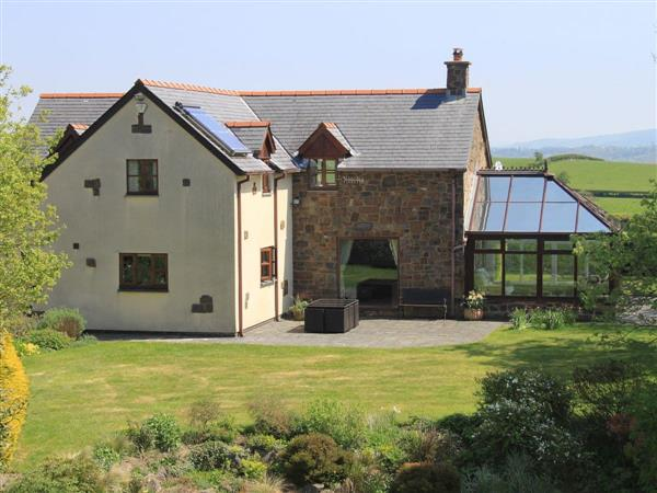 Green Lane Cottage, Aberhafesp, near Newtown, Powys with hot tub