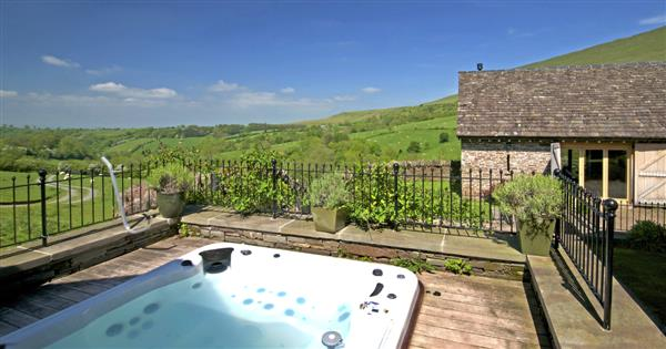 House in the Hills, Hay on Wye with hot tub