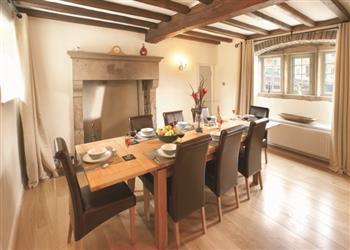 Nice Holidays At Ivy House, Wetton, Nr Ashbourne : Sleeps 6