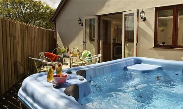 Keepers Lodge Ref Keepl In With Hot Tub Cottage Weekend And Short Breaks At Holiday