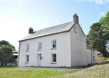 Llwyncadfor Farmhouse in Henllan, near Newcastle Emlyn