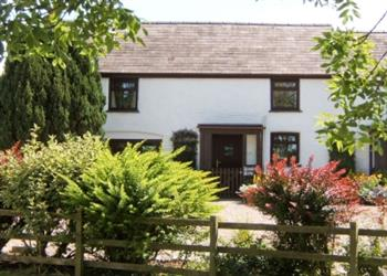 Llwyncrwn Farm Cottages in Pencader, near Llandysul