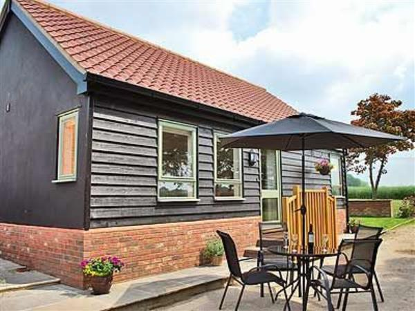 New Waters Holiday Cottages - Chestnut Cottage, Suffolk