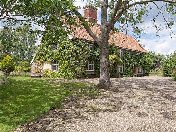 Old Hall Farmhouse, St Nicholas, Harleston, Norfolk., Eastern England