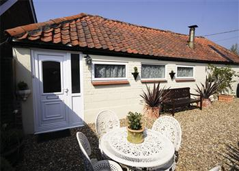 Orchard Cottage, Beccles, Suffolk with hot tub