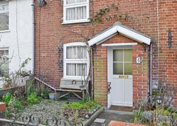 Pebble Cottage in Hopton-on-Sea