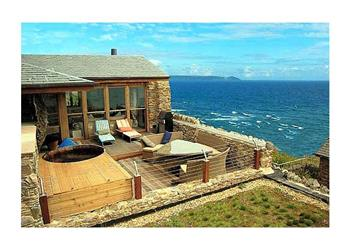 Enjoyable Pebbleline House In Looe Pet Friendly With Hot Tub Cottage Download Free Architecture Designs Remcamadebymaigaardcom