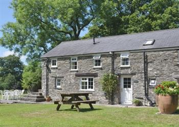 Penwern Fach Holiday Cottages - Towy, Ponthirwuan, nr. Cenarth, Dyfed