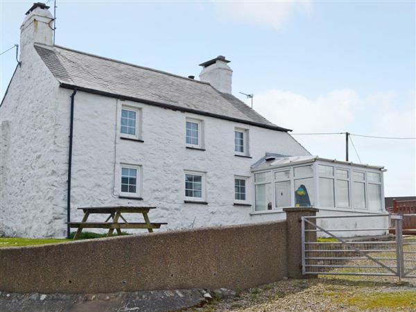 Porth Colmon Farmhouse in Porth Colmon, near Pwllheli