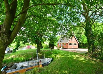 Reed Cutters Cottage in Rockland-St-Mary, Norfolk