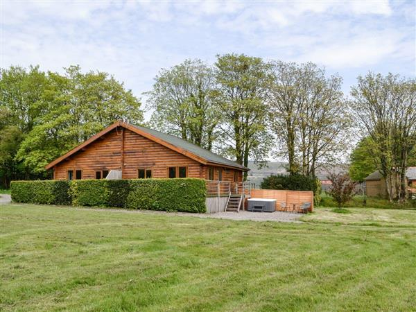 Rose Cotterill Cabins - Pine Lodge, Bryncoch, near Neath, Glamorgan, West Glamorgan with hot tub