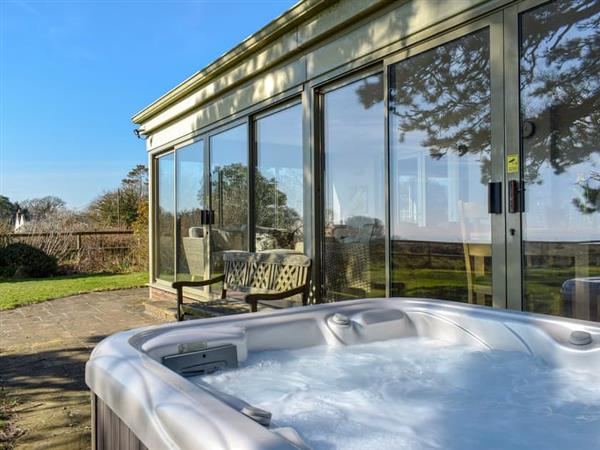Pet friendly cottages with hot tubs in devon