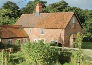 Whitecroft Farmhouse in Newport, Isle of Wight