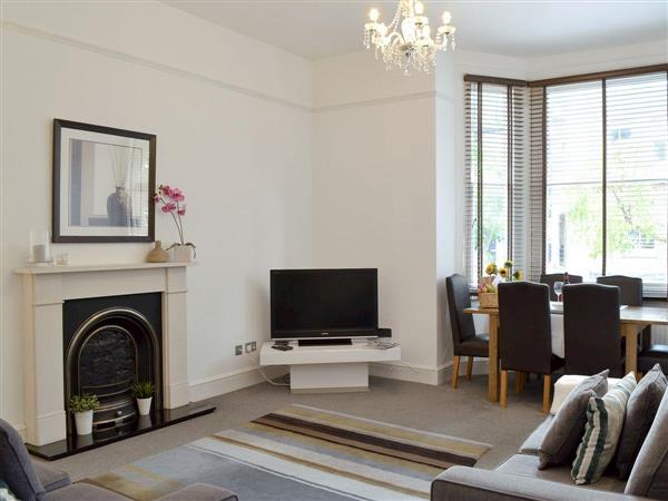 Wimbledon Village Apartment, London