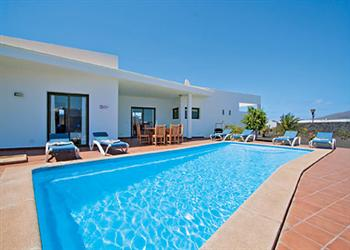 Casa Anne, Playa Blanca, Lanzarote, The Canary Islands With Swimming Pool