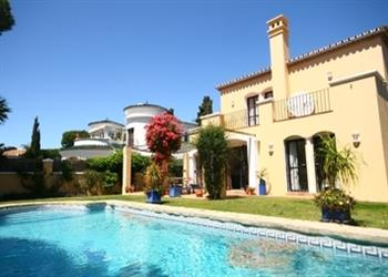 Casa philomena ref smb312h in marbella with swimming pool villas in costa del sol - Apartamentos costa del sol ...