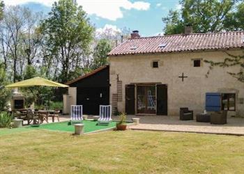 la maison des volets bleus ref fjv026 in usson du poitou vienne pet friendly cottage and. Black Bedroom Furniture Sets. Home Design Ideas