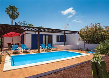 Villa Cangraita, Playa Blanca, Lanzarote With Swimming Pool