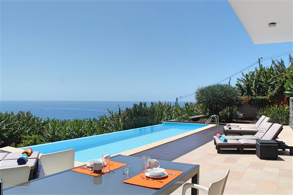 Villa Dias, Calheta, Madeira With Swimming Pool
