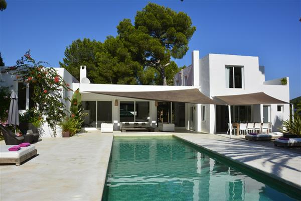 Villa Eden, Santa Eulalia, Ibiza With Swimming Pool
