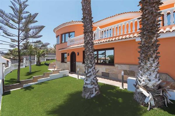 Villa Lucy, San Isidro, Tenerife With Swimming Pool