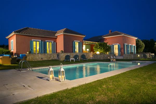 Villa Oxopetra, Spartia, Kefalonia With Swimming Pool