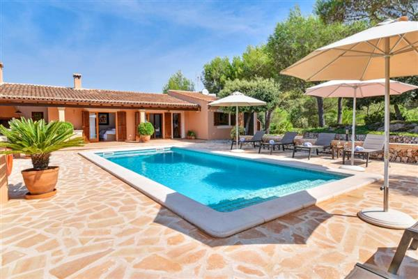 Holiday villas in Spain   luxury self catering holiday