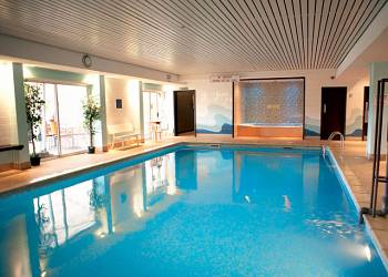 Bainland country park holiday lodges in lincolnshire - Holiday lodges with swimming pools ...