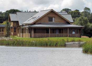 Enjoy your time in a Hot Tub at Celtic Lake Lodges